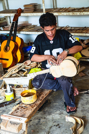 Alegre Guitar Maker