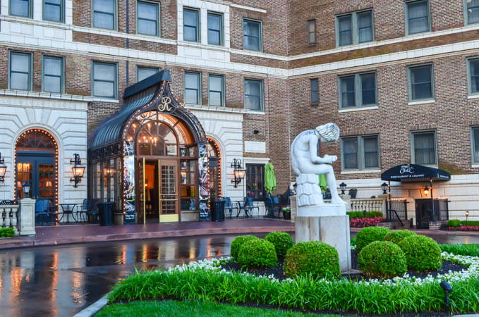 The Raphael Hotel Kansas City Mo