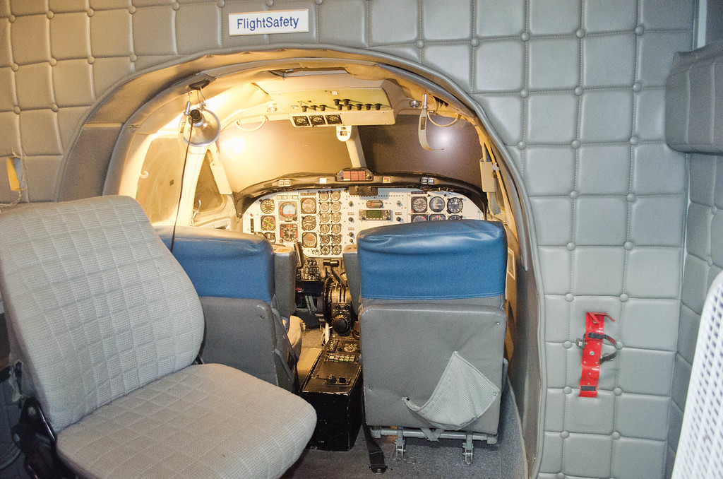 Boeing 737-200 Flight Simulator Air Terminal Museum