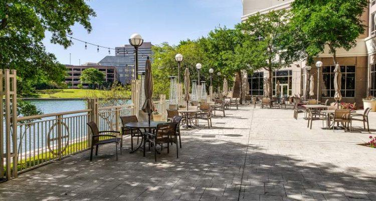 Hotel Outdoor Deck Marriott