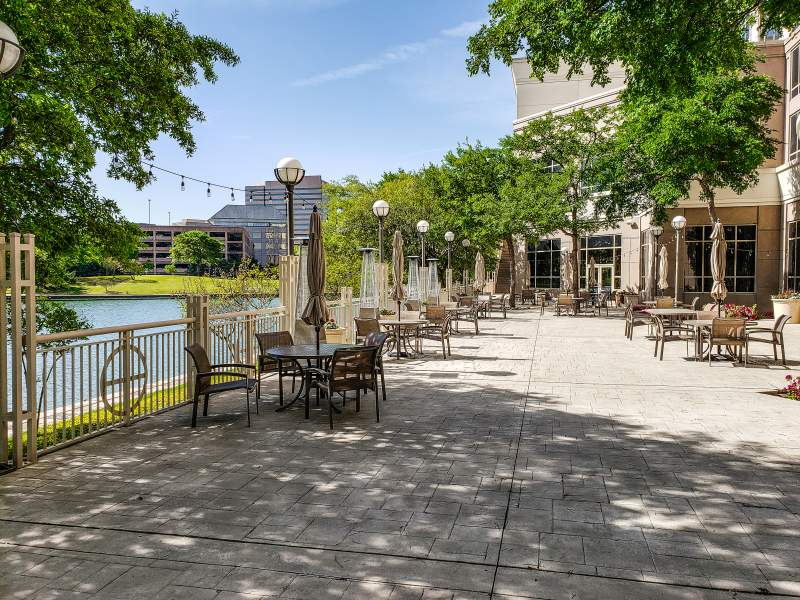 outside patio Dallas Marriott Las Colinas