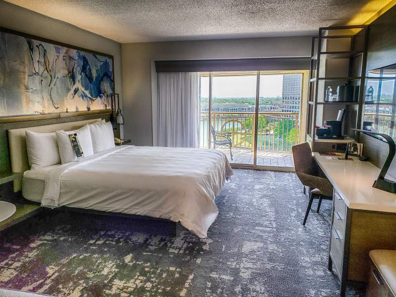 Room at Dallas Marriott Las Colinas