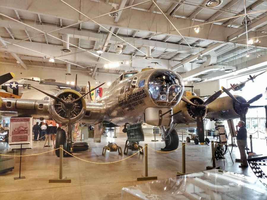 B17 Mighty Eighth Museum