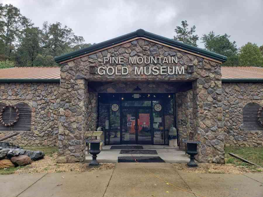 Digging for gold at the Pine Mountain Gold Museum