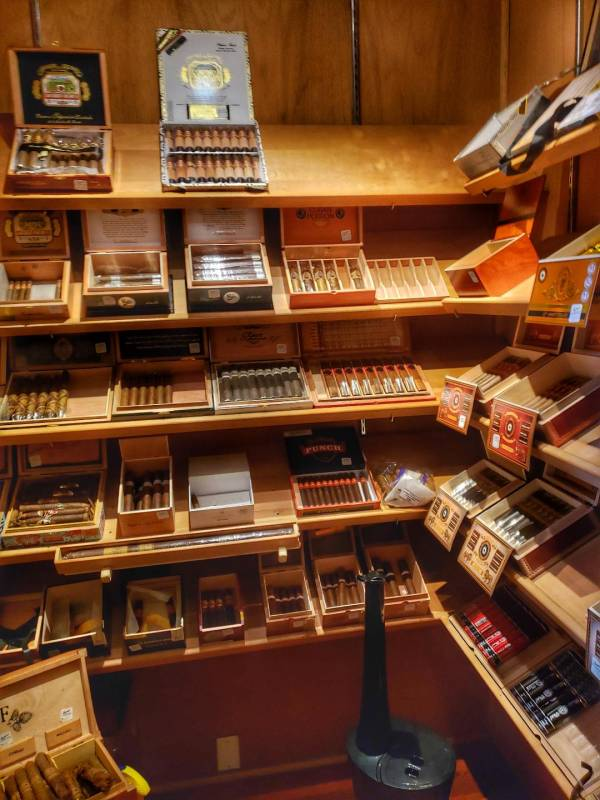 Bar Cuba walk in humidor