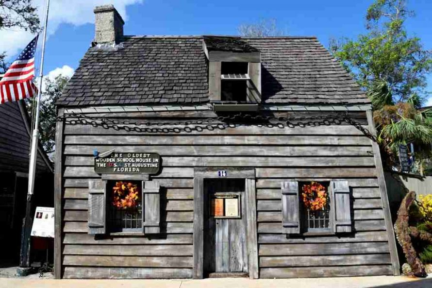 oldest wooden schoolhouse in the United States