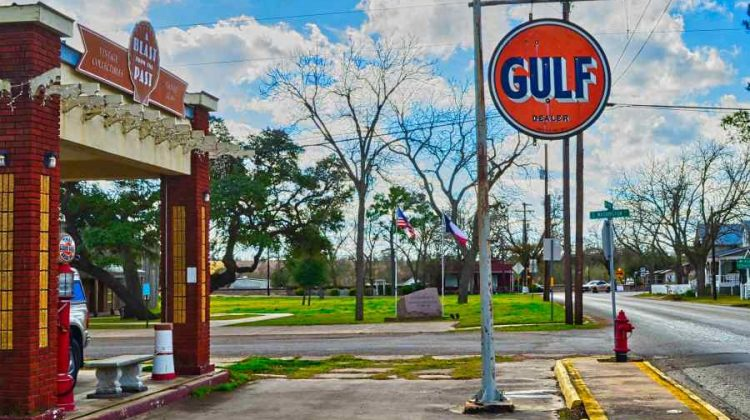 15 Small Towns In Texas You Need To Visit