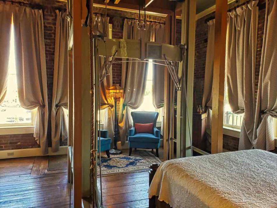 Ant Street Inn Room